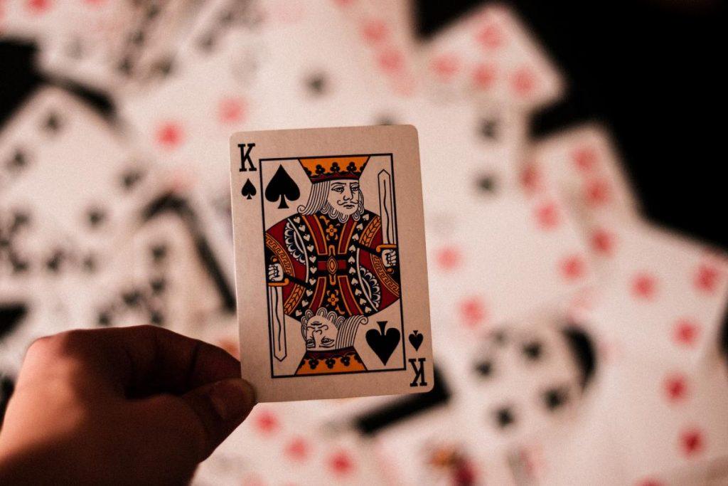 """""""ไพ่ Blackjack"""" กับการสอนเทคนิคการสังเกตเกมระดับเซียน"""